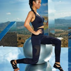 Womens Seamless 3D multi sport leggings Thumbnail